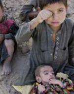 عبقرية الناتو: الأطفال الأفغان أكثر أمنا من أطفال لندن!