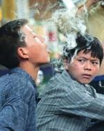 300 مليون مدخن لا يكفون: الهدف الأطفال