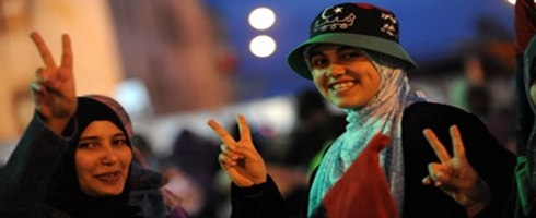 نساء ليبيا.. حاضرات في الثورة مغيبات بعدها