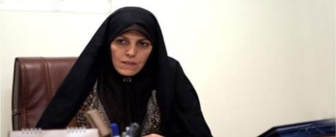 معاونة روحاني: القانون لا يمنع النساء من العمل بالمقاهي
