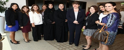 وزيرة شؤون الأعمال والتجارة والاستثمار في أيرلندا الشمالية تلتقي بأعضاء مجلس إدارة مجلس سيدات أعمال دبي