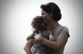 أول دراسة تجمع بين الجانب الديني والسوسيولوجيي في موضوع حساس -الأم العازبة-