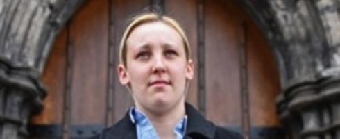 فتاة بعمر 20 عاما تفوز بانتخابات البرلمان البريطاني