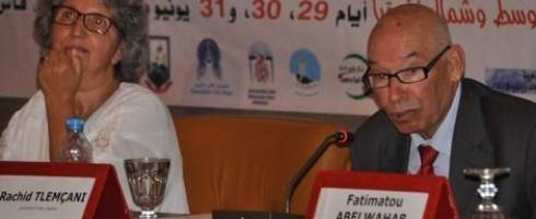 أكاديمي جزائري: السلفيُّون يستهدفون المرأة وهمّهم التحكّم في حميميتِها