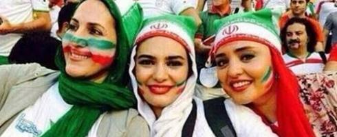 إيران تفتح الباب جزئيا أمام حضور النساء مباريات رياضية