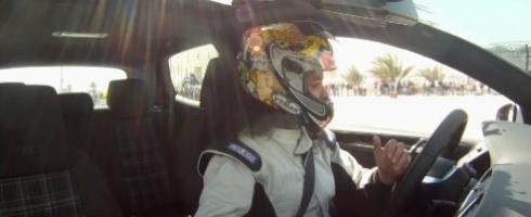 خمس نساء فلسطينيات ينافسن الرجال في سباق السيارات