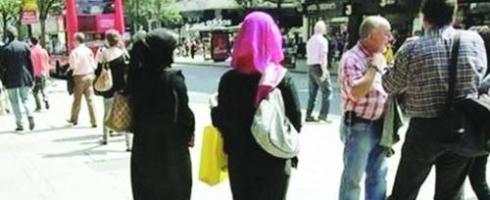 سفر المرأة السعودية مع صديقاتها.. «نظرة المجتمع تغيّرت»!