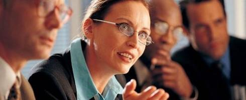 % 4من رؤساء مجالس الإدارات في العالم.. نساء المرأة تستأثر بـ 12% من المقاعد الإدارية