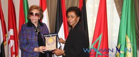 منظمة المرأة العربية تكرم الشيخة فريحة الأحمد الجابر الصباح