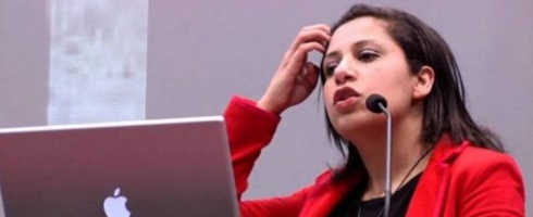 منع الناشطة النسوية والمدافعة عن حقوق الإنسان المصرية مزن حسن من السفر