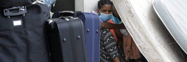 لبنان: عاملات أجنبيات نجونَ من الانفجار لا العنصرية