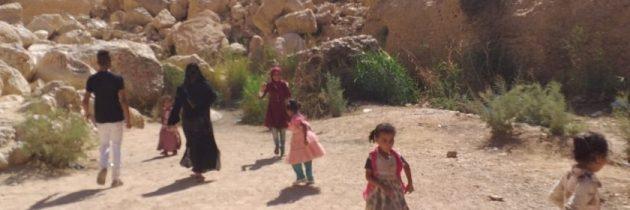 """جريمة من عصر الجاهلية.. إلقاء طفلتين في بئر بسبب """"خلفة البنات العار"""" بقنا"""