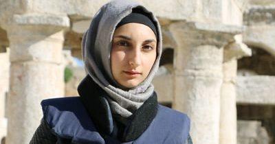 مبروك للصحفية السورية يقين بيدو، المعروفة باسم ميرنا الحسن، لكونها واحدة ممن نالوا جائزة الشجاعة في الصحافة من IWMF.