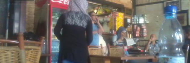 فتيات دمشق يدرن المقاهي والمحال بعد هجرة الشباب